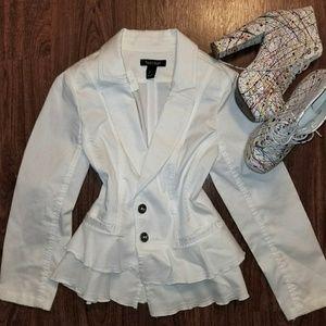 NEW White House Black Market white jacket US4